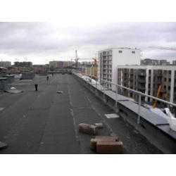 Prie parapeto montuojami stogo krašto atitvarai