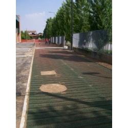 Tinklas parkavimo aikštelėms ant žolės